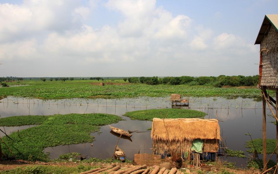village lacustre en saison des pluies...